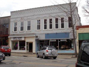 29 South Main Street - up to 3,000 sq. ft. available for lease. Contact 440-935-4483.